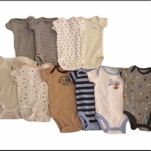 Bundle of 10 Onsies NB to 0-3mos Excellent Cond
